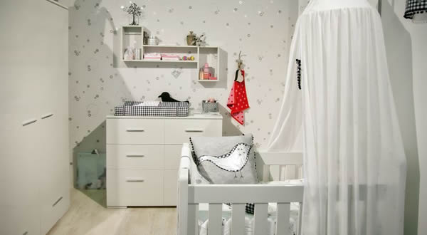 Mobilier pour la chambre de bébé.