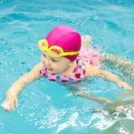 Bienfaits des séances de bébé nageur