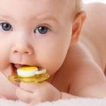 Tétine sucette ou pouce pour bébé